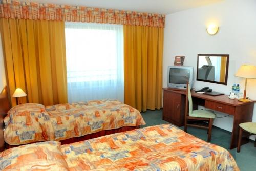 hotel_gromada_room