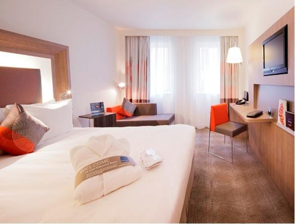 http://dis2014.fuw.edu.pl/wp-content/uploads/2014/02/hotel_novotel_room.jpg